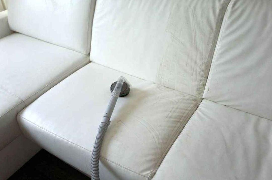 Čištění kožených sedaček