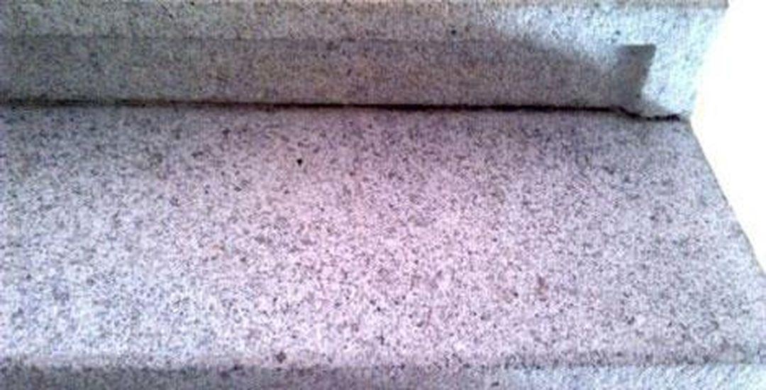 Čištění a renovace kamenných schodů