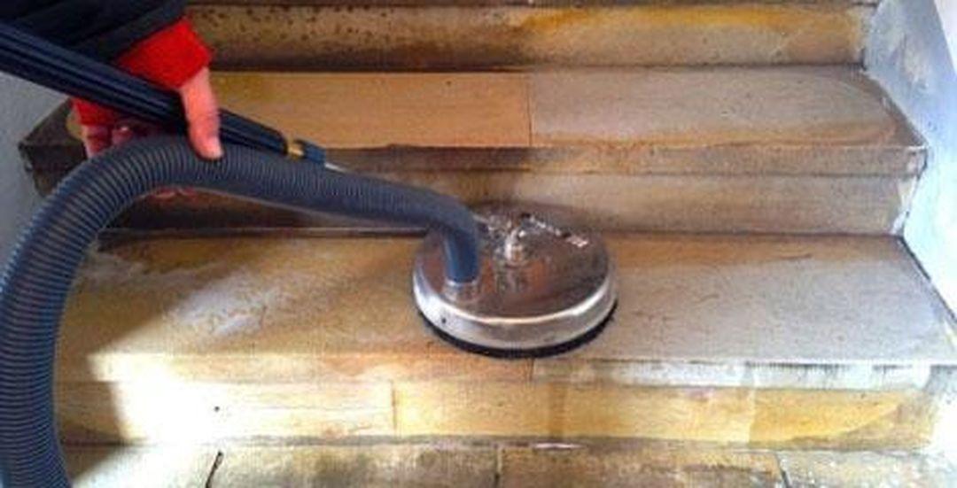 Čištění a renovace pískovcových schodů