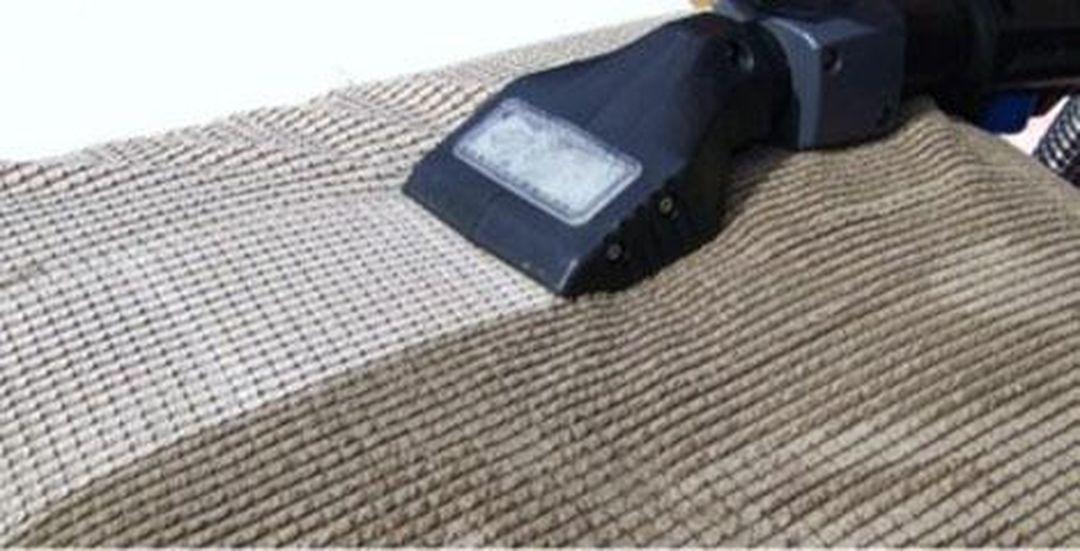 Mokré a extrakční čištění sedaček