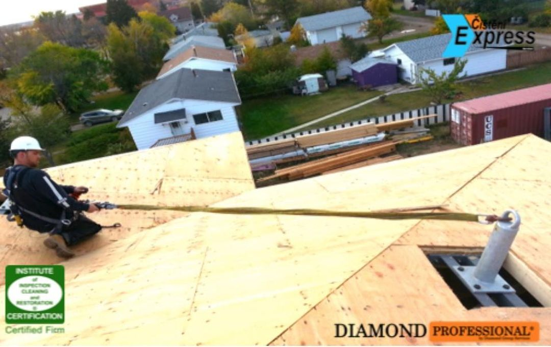 Mytí střech a budov