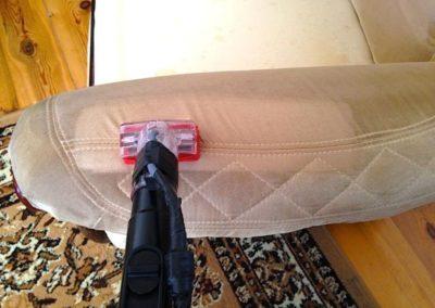 Čištění textilních sedaček 08